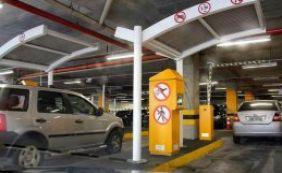 Shoppings estudam alternativa para cobrar estacionamento de funcionários