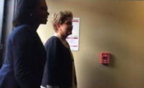 Manifestante xinga Dilma e é repreendido por Wagner; veja vídeo