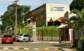 Quadrilha faz sete pessoas reféns durante assalto na UCSAL