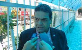 Vereador de Simões Filho discute com radialista no ar
