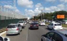 Trânsito nesta sexta-feira tem acidente nos Barris e lentidão em vias; confira