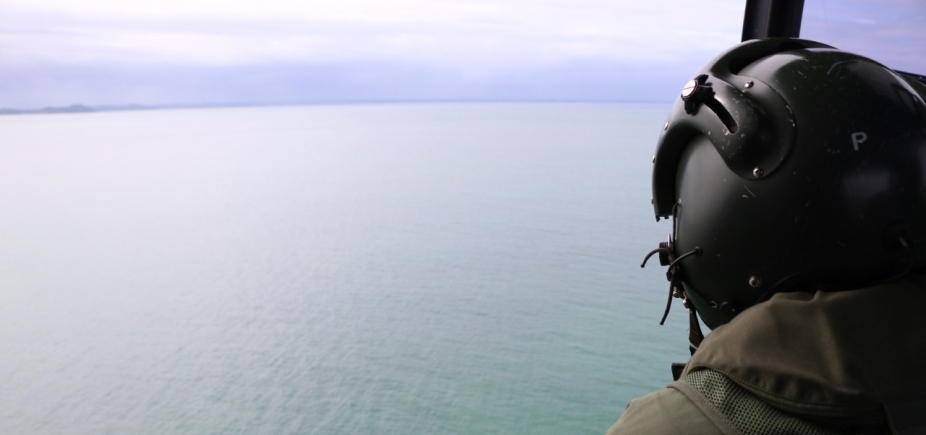 Duas pessoas seguem desaparecidas após naufrágio em Mar Grande; Marinha retoma buscas