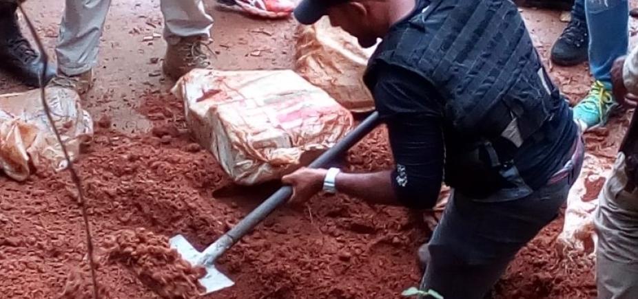 Polícia encontra 100kg de maconha enterrados em Simões Filho; acusado de tráfico é preso