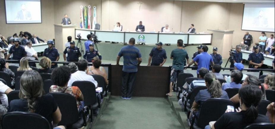 """Vereadores de Barreiras \""""desaparecem\"""" da Câmara após votação de projeto polêmico"""