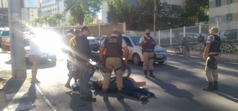 Acidente entre carro e moto complica trânsito em São Marcos