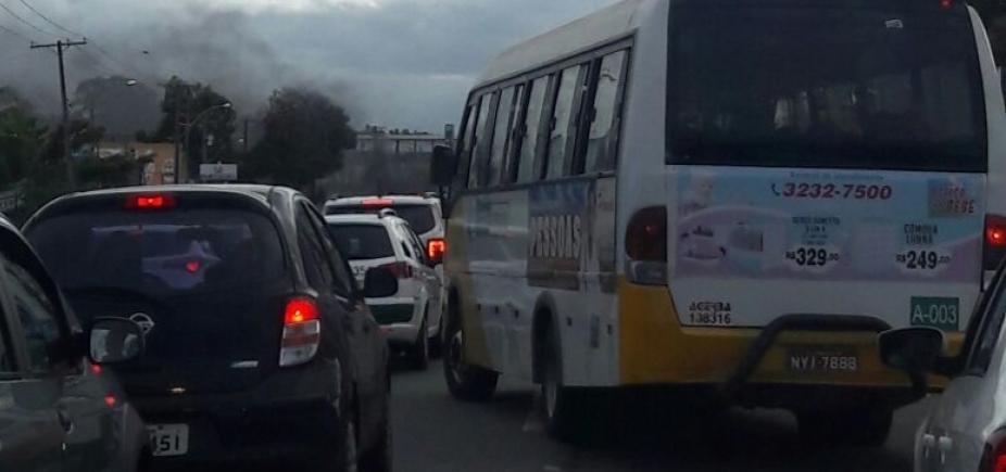 Manifestação termina mas trânsito continua congestionado na Estrada do Coco