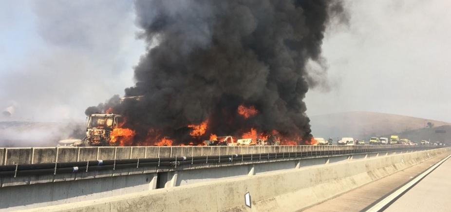 Acidente envolvendo 36 veículos deixa dois mortos e vinte feridos em São Paulo