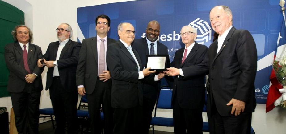 Em comemoração aos 16 anos de fundação, Fapesb entrega Prêmio Roberto Santos de Mérito Científico