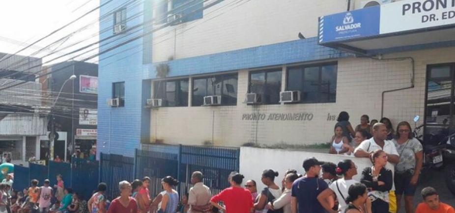 Mutirão para marcação de consultas gera longa fila em Centro de Saúde de Pernambués