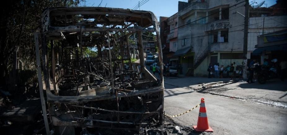 Quadrilha é presa suspeita de queimar ônibus no IAPI e na Calçada