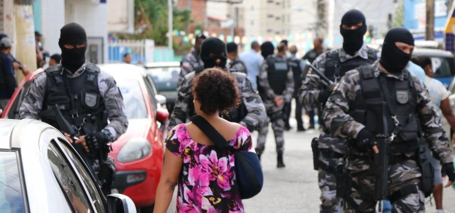 Polícia deflagra operação para combater tráfico de drogas no Engenho Velho