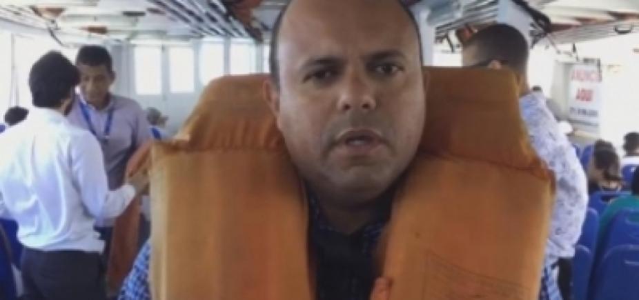 Embarcação faz manobra brusca e vereadores passam por susto em blitz na Travessia Salvador-Mar Grande