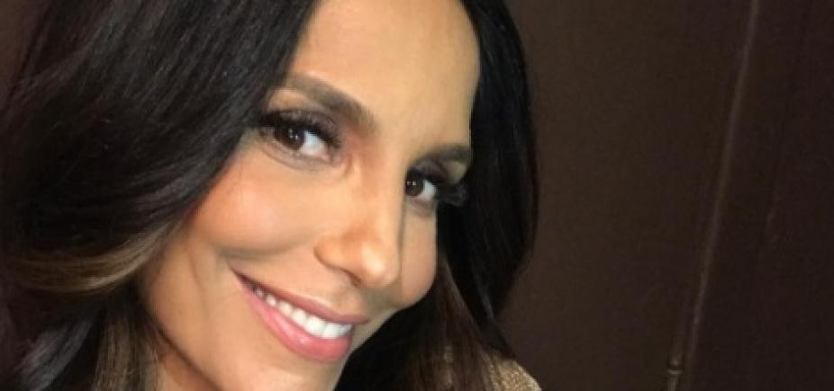 """Figurino de Ivete Sangalo chama atenção na web: \""""Seu peito tá icônico\""""; veja"""