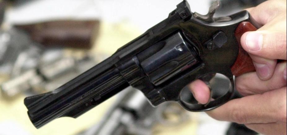Adolescente mata o pai para defender avó que estava sendo agredida