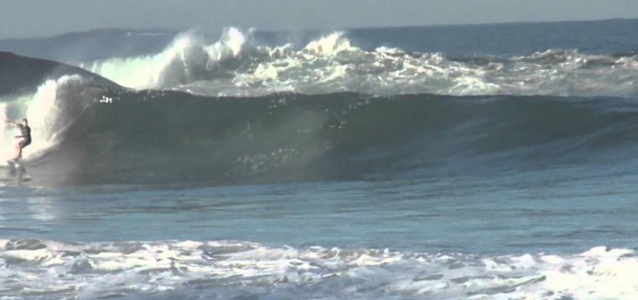 Marinha mantém alerta de mar grosso para litoral baiano; ondas chegam até 4,5 m