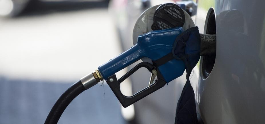 Petrobras anuncia novo reajuste de 3,3% na gasolina; aumento ultrapassa 10%