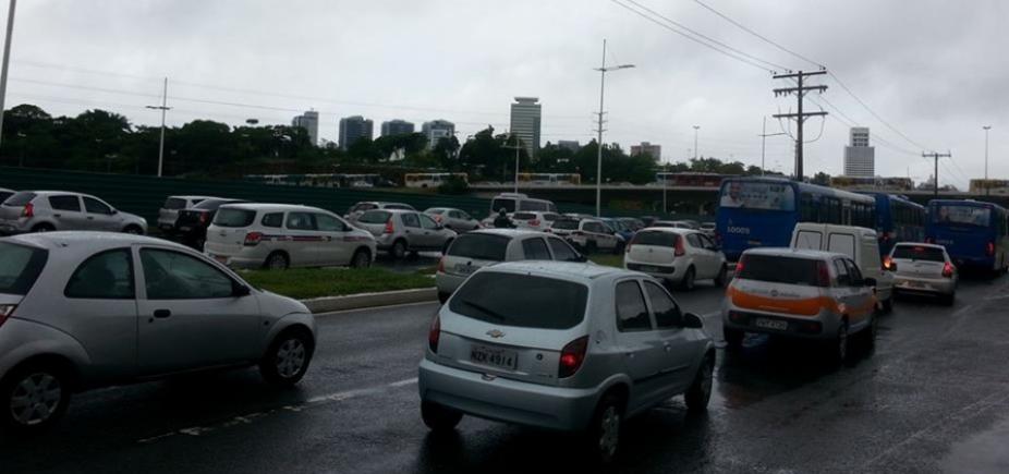 Salvador tem trânsito lento nas principais vias nesta terça-feira; confira