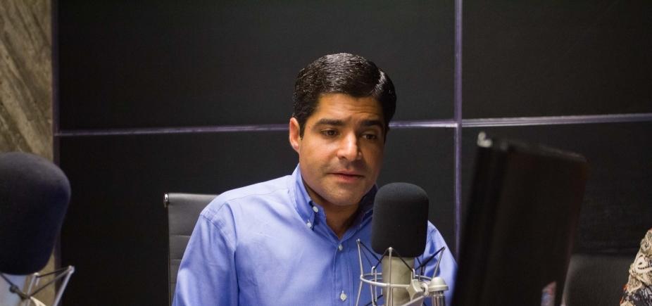 Após incêndio, Neto critica gestão do estado por não ter requalificado o Mercado de São Miguel