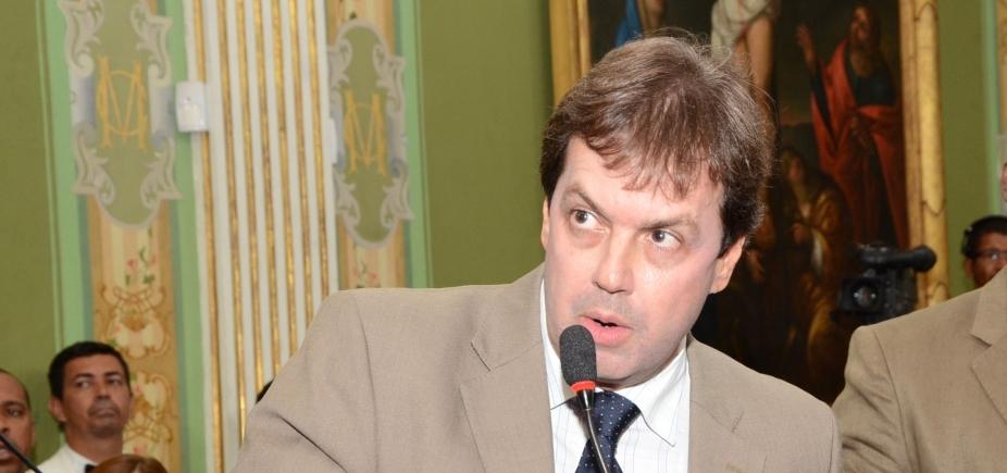 """Líder da oposição volta a criticar base do governo: """"Bancada do amém"""""""