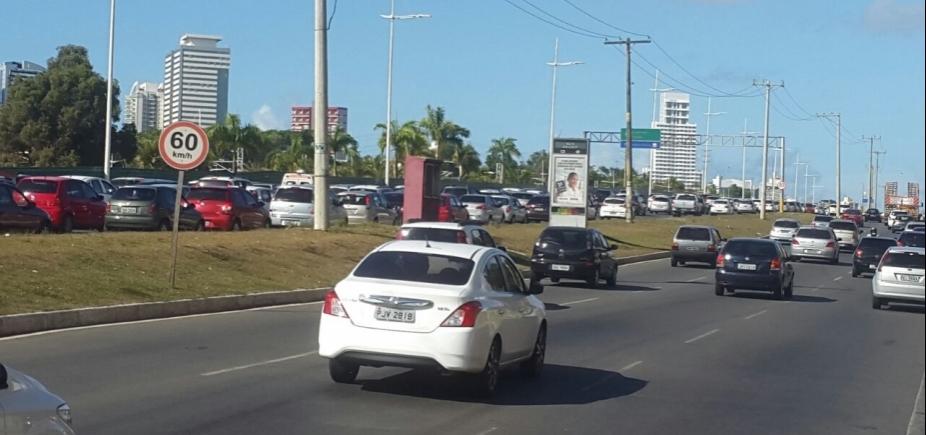 Obra termina, mas trânsito continua congestionado na Orla de Salvador