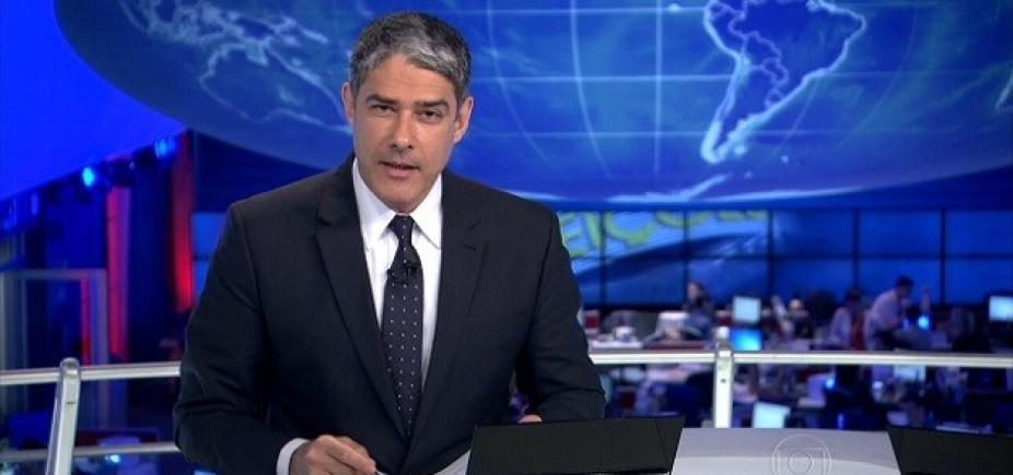 """Bonner quebra o pé e se afasta do Jornal Nacional por três dias: """"Na segunda o tio volta"""""""