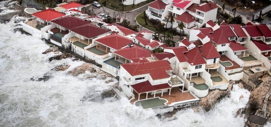Furacão Irma atinge Caribe e deixa pelo menos 10 mortos
