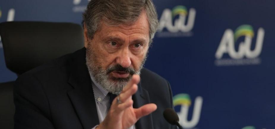 Ministro da Justiça admite trocar comando da Polícia Federal