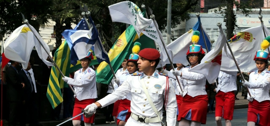 Tradição marca desfile do 7 de Setembro em Salvador