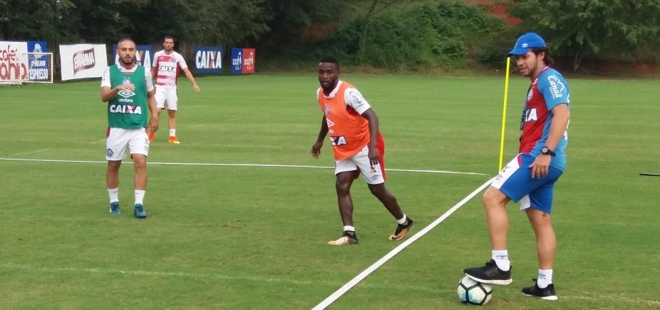 Preto comanda treino tático do Bahia para enfrentar o Atlético-GO