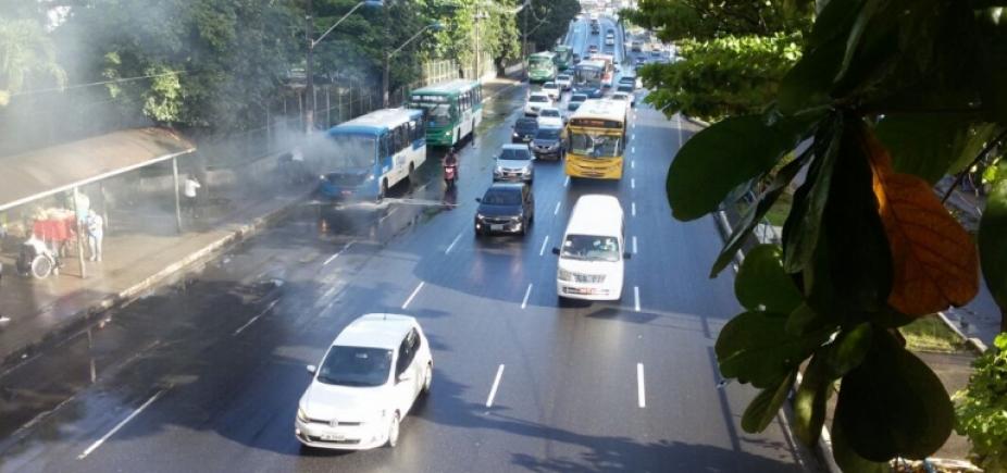 Trânsito flui sem problemas nas principais vias de Salvador
