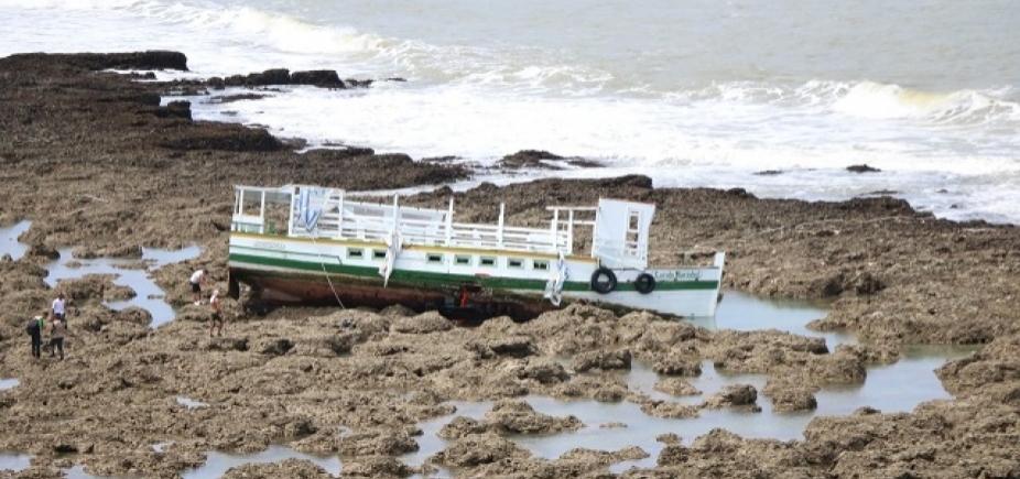 Lanchas que operam na Baía não têm item de segurança exigido em edital de licitação