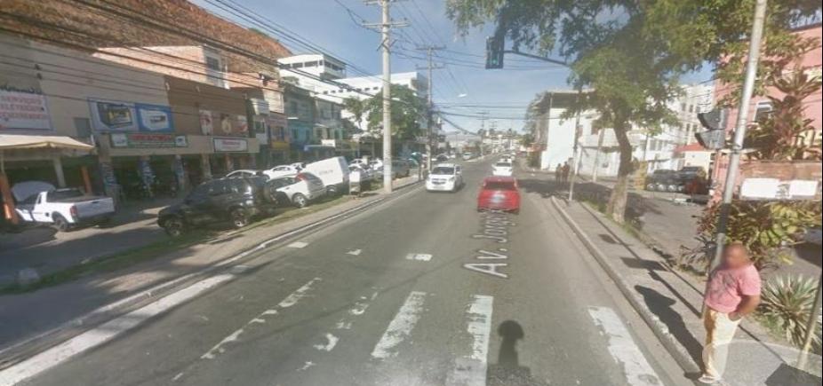Homem reage e mata assaltante na Avenida Jorge Amado