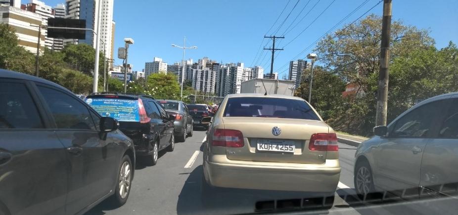 Acidente causa congestionamento no Dique do Tororó