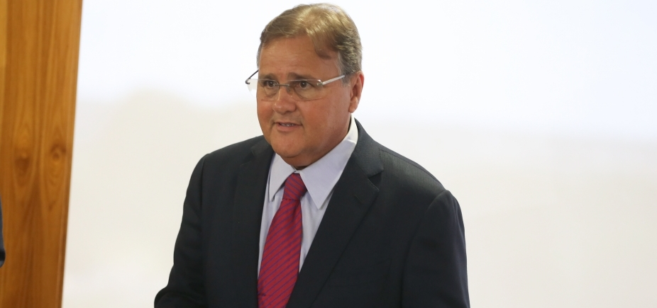 """""""Acumulador de dinheiro"""", diz Roberto Requião sobre Geddel Vieira Lima"""