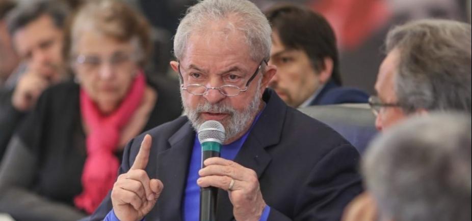 Após 2h30, Lula termina de depor para Moro em Curitiba