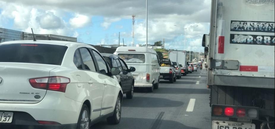 Acidente em São Marcos e na BR-324 sentido Feira de Santana