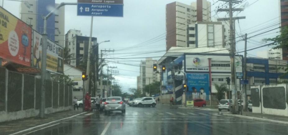 Leitores reclamam de sinaleiras com defeito na Pituba e Costa Azul