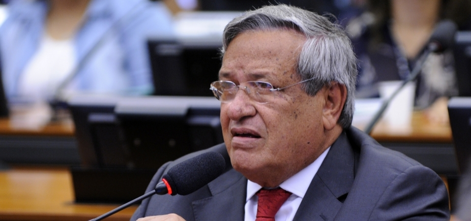 """Benito Gama nega ida para o PMDB: """"Estou muito bem no PTB"""""""