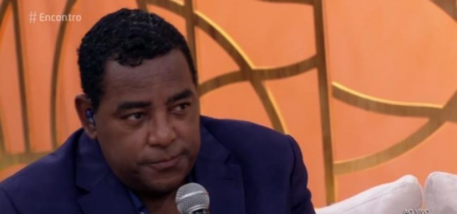 """Vocalista do Raça Negra comenta abuso infantil e irrita internautas: \""""Machista\"""""""