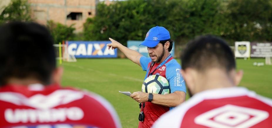 Com Tiago e sem Renê Júnior, Preto testa formação do Bahia contra o Cruzeiro