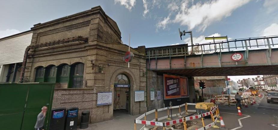 Explosão no metrô de Londres deixa 23 feridos; polícia considera terrorismo