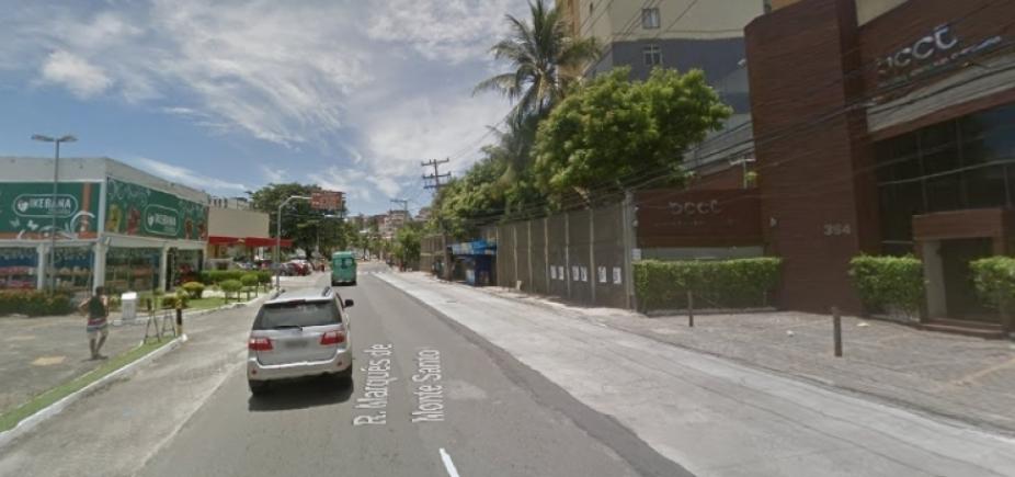 Capotamento de carro deixa quatro feridos no Rio Vermelho