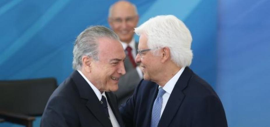 """Ministro de Temer diz que """"há esforço para comprometer honra"""" do presidente"""