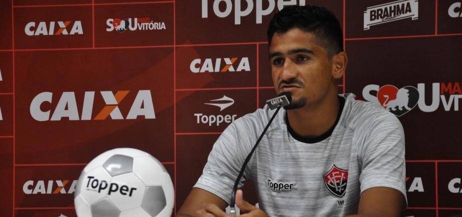 """Zagueiro detona atuação do Vitória contra o São Paulo: """"O time todo foi uma merda"""""""