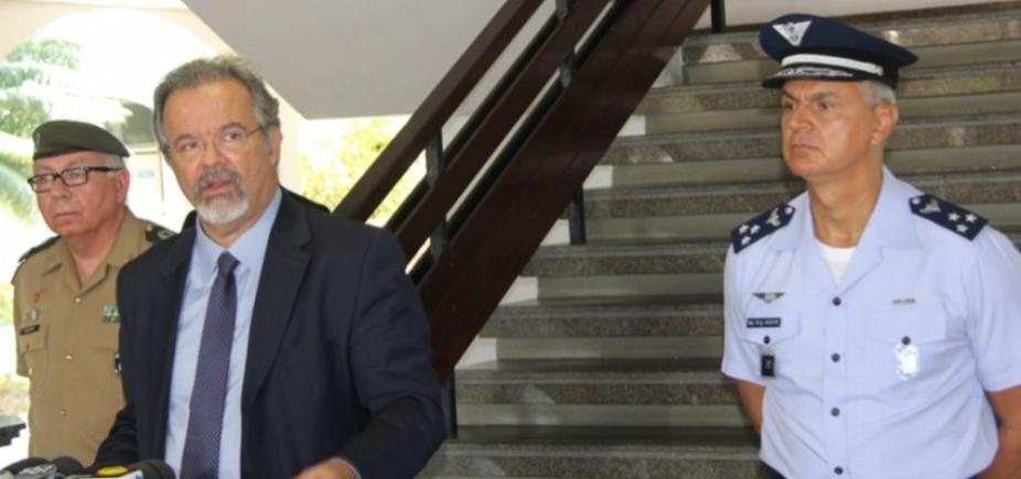 Ministro convoca o comandante do Exército para avaliar punição a general que pediu intervenção militar