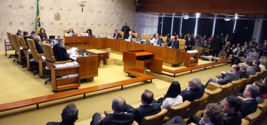 Moraes vota pelo envio de denúncia sobre Temer à Câmara; sessão é suspensa para intervalo