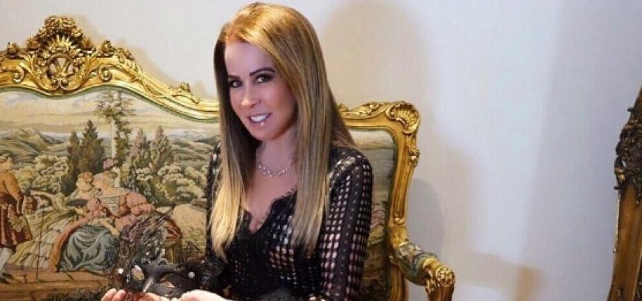 """Ex-mulher de Zezé Di Camargo, Zilu apresenta novo namorado e faz declaração: """"Amor blindado"""""""