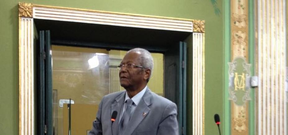 Prefeitura tem ʹfebre incurável de arrecadarʹ, diz Edvaldo Brito sobre projeto que altera ISS