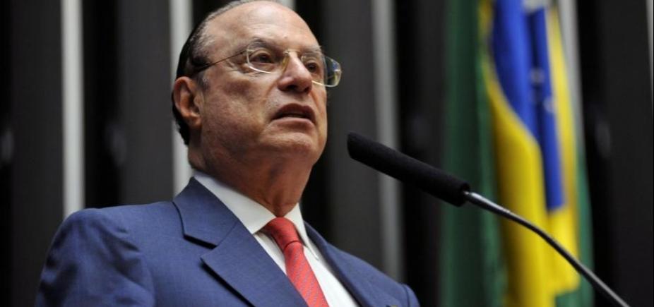Fachin vota por prisão de Maluf e julgamento é suspenso no Supremo