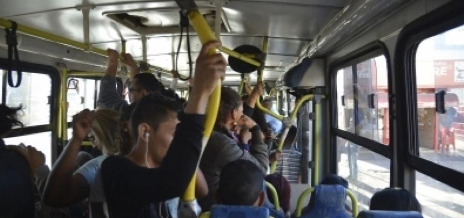 CCJ do Senado aprova projetos que criminalizam casos de ejaculação em passageiras de ônibus